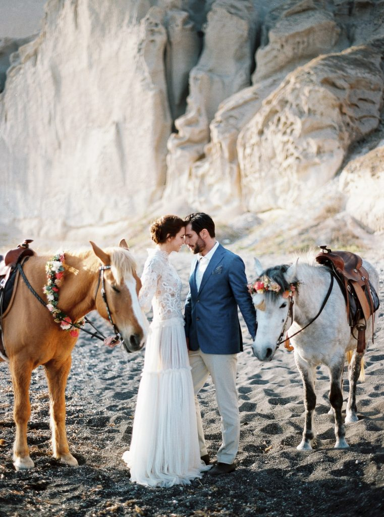 Wedding inspiration film photography in Santorini in Greece